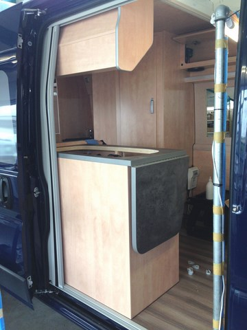 kastenwagen campingbus ausbau innenausbau isolierung wohnmobil. Black Bedroom Furniture Sets. Home Design Ideas