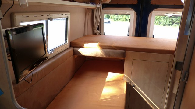 campingbus wohnmobilstellpl tze italien frankreich spanien. Black Bedroom Furniture Sets. Home Design Ideas